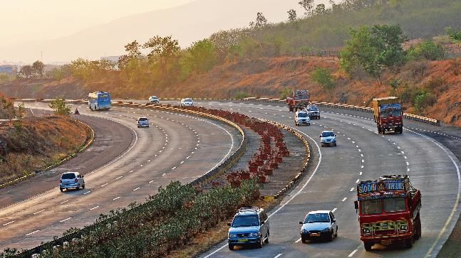 You'll Be Able to Reach Mumbai from Delhi Within 12 Hours with This New Expressway!