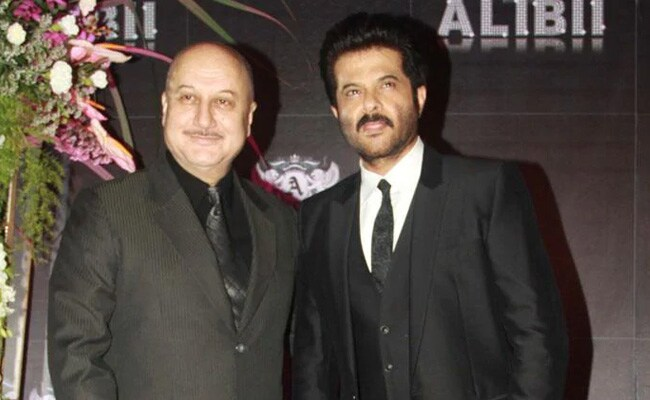 Anil Kapoor Sings To Neighbour Anupam Kher, Who Is In Quarantine After Returning From New York