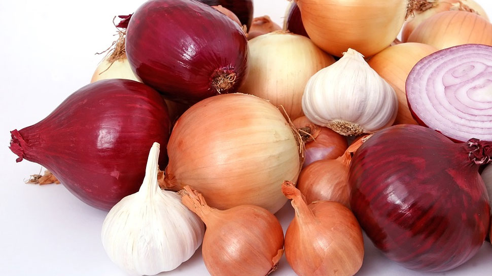 Know why People don't eat Onion and Garlic in Navratris