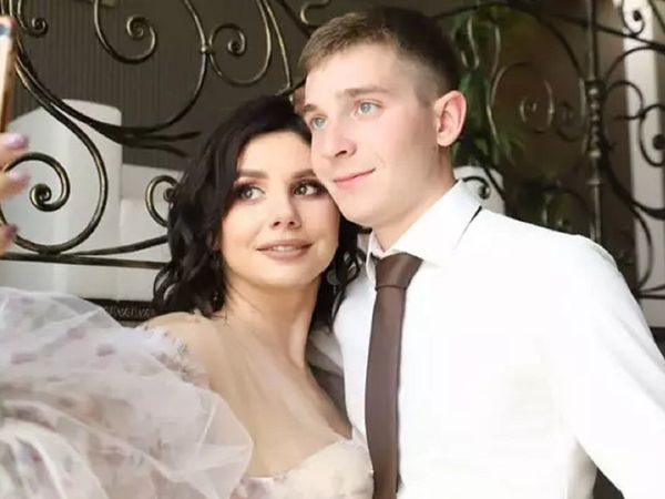 Social media influencer, 35, marries her 20-year-old stepson after splitting from his father
