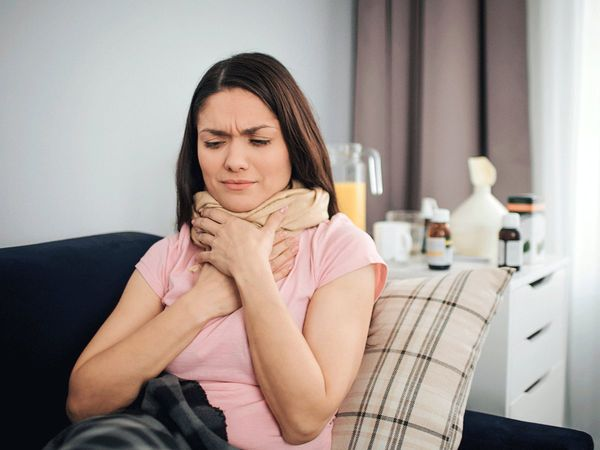 5 quick home remedies for sore throat and other common cold symptoms
