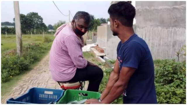 Balika Vadhu Director Now Selling Vegetables In UP