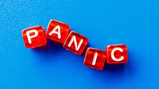 What is panic attack? Here are common signs you must know