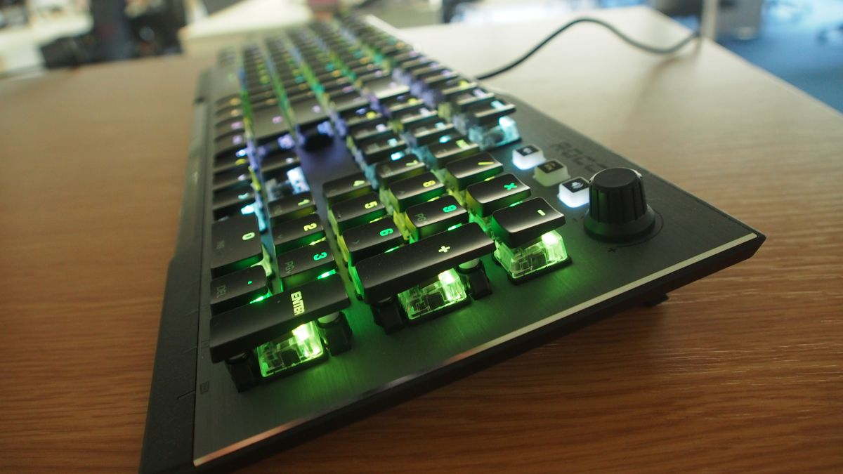 Roccat Vulcan 120 AIMO review