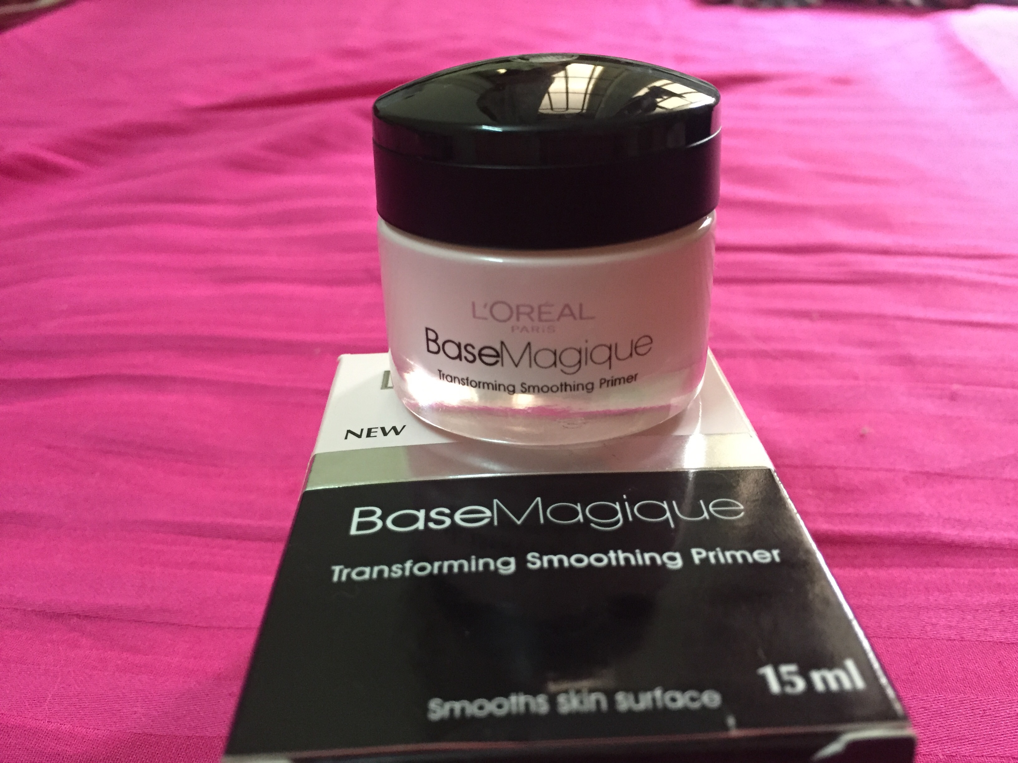 REVIEW OF THE L'OREAL BASE MAGIQUE TRANSFORMING SMOOTHING PRIMER !