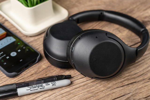 Sony WH-XB900N Wireless Active Noise Cancelling Headphones Review