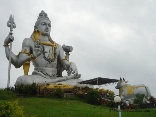 Shiva of Murudeshwara 123 ft (37.5 metres) Uttara Kannada, Karnataka