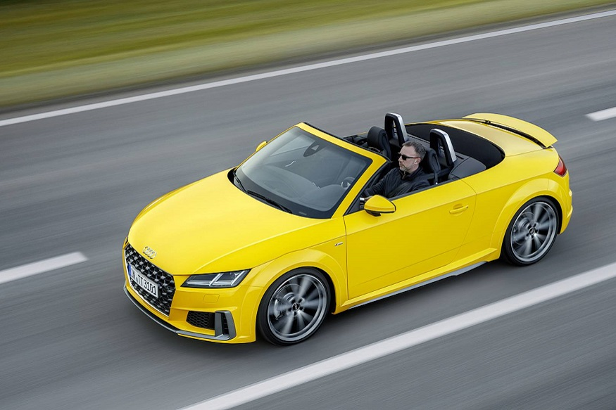 Audi has just released a batch of images of its new facelifted TT ahead of the car landing with dealers towards the end of this year.