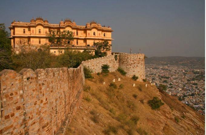 1. Nahargarh Fort