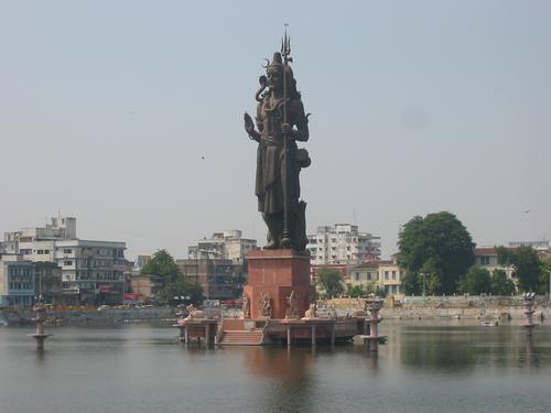 Sursagar Lake Lord Shiva Vadodara, Gujarat 120 ft (36.5 metres)
