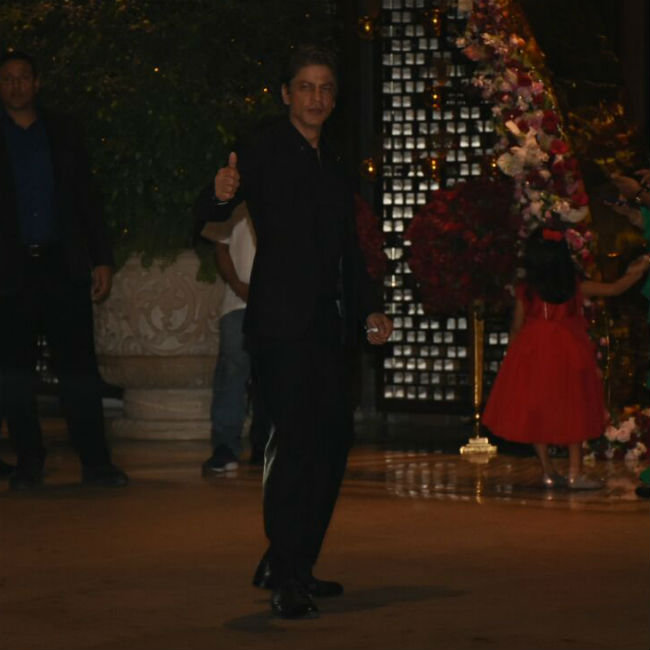 Shah Rukh Khan posed for the shutterbugs.