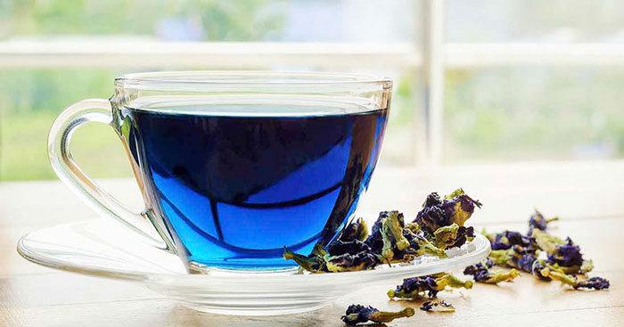 Blue Tea contains potent tannins that curb iron absorption from food, therefore, sip through your hot cup of sheer magic at least one hour before or after meals. Also, you must brew your tea in earthen teapots than metal to avoid loss of healing properties.