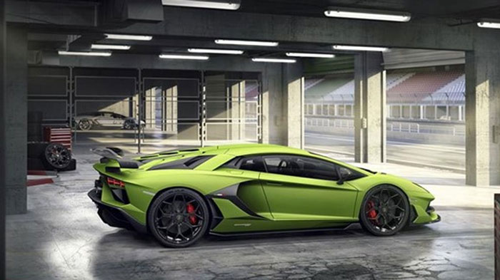 The Lamborghini Aventador SVJ features an increase in power to 770 hp (566 kW) at maximum 8,500 rpm. The SVJ outputs 720 Nm of torque at 6,750 rpm, while a dry weight of just 1,525 kg gives the SVJ a weight-to-power ratio of 1.98 kg/hp. The SVJ accelerates from standing to 100 km/h in 2.8 seconds and from 0 to 200 km/h in 8.6 seconds. A top speed of more than 350 km/h is complemented by a braking distance of 100 km/h to 0 in 30 meters.The Navigation System and Infotainment System including AppleCarPlay come as an option free of charge.
