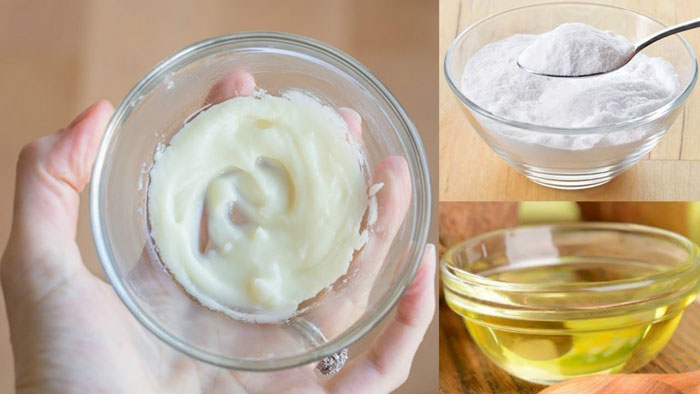 2. With natural cleansing properties, baking soda and coconut oil face mask can fight acne.