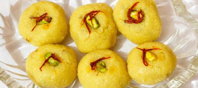 2. The soft texture of Kesari Malai Peda is just hard to resist and the added flavours of saffron and cardamom is ideal to enliven your spirits this Holi. Click here to see the recipe.