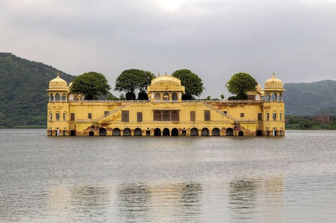2. Jal Mahal Palace