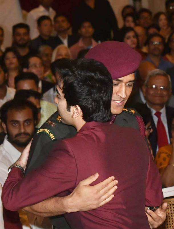 Cueist Pankaj Advani was also honoured with Padma Bhushan Award by President Ram Nath Kovind on Monday at the Rashtrapati Bhavan. MS Dhoni was seen giving the eight-time world champion a hug at the ceremony.