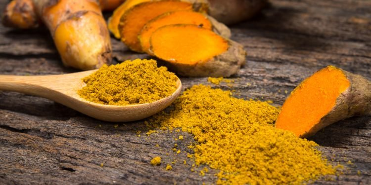 3. High anti-inflammatory compound and antioxidants, present in turmeric help in improving memory and encouraging the growth of new brain cells.