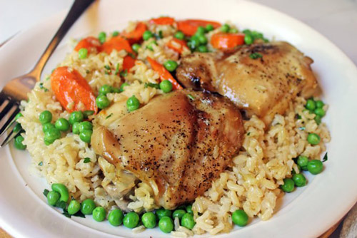 3. Chicken, rice and vegetables is a good source of protein and complex carbohydrate that enhances muscle growth and increases stamina.