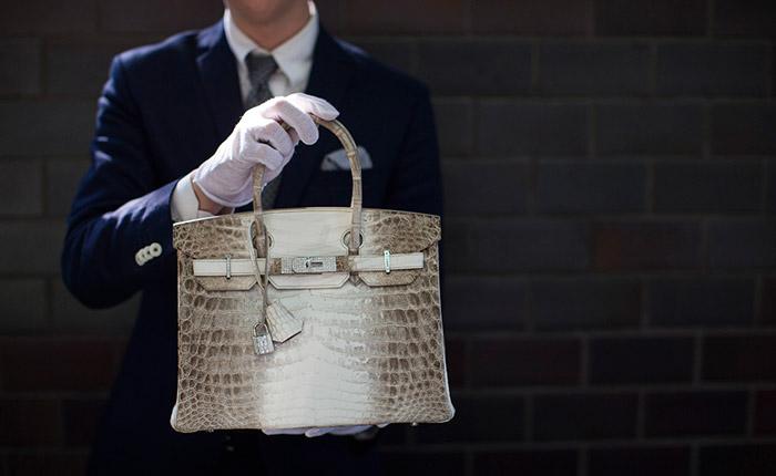 Hermes diamond and Himalayan Nilo Crocodile Birkin handbag - The handbag have 242 diamonds with a total of 9.84 carats.