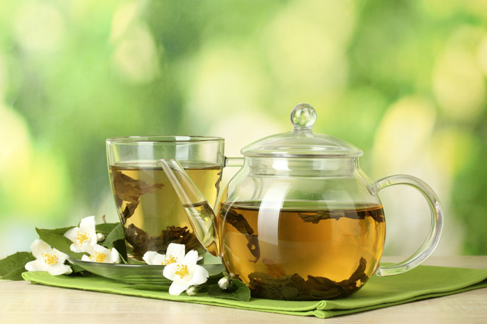 3. Black and Green tea Polyphenols present in black/green tea is best known to reduce bacteria and toxic products of bacteria in the mouth. Tea is also known to be rich in fluoride, which is a necessary component for healthy teeth. It is advised to drink unsweetened tea.