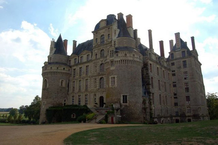 Chateau de Brissac, France This beautiful castle has 204 rooms, several portrait galleries, an opera house and the Green Lady, who can be seen in the tower room of the chapel. If her eyeless and noseless visage doesn't scare you, you can also hear her moaning around the castle. And not the good kind of moans.