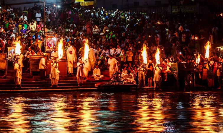 Witness Ganga Aarti at Haridwar