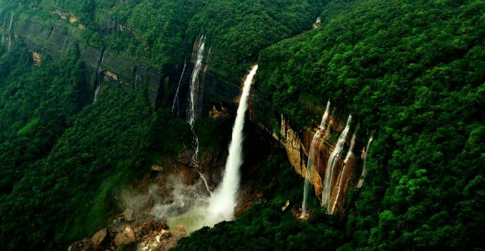 Nohkalikai Falls, Cherrapunji – Cascading water that changes colour