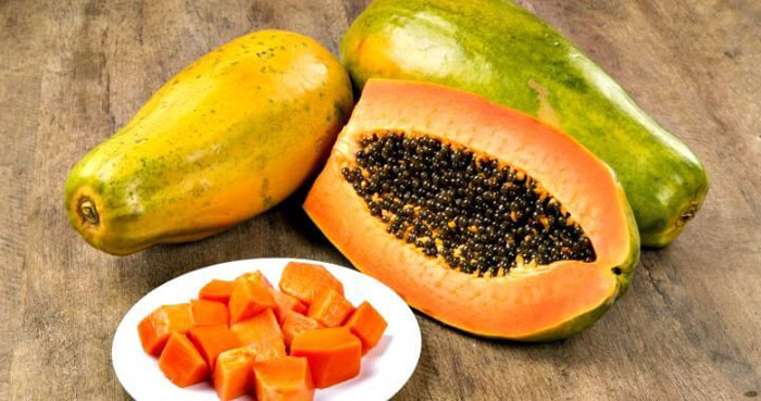 4. Low sugar content in papaya makes it an excellent food option for those who are diabetic as it aides in maintaining blood sugar levels and lowering cholesterol levels.