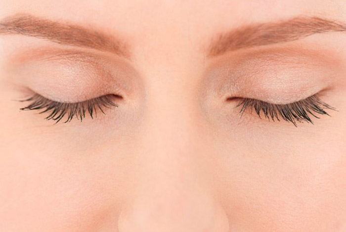 2. Rest your eyes for at least 5-10 minutes at regular intervals.