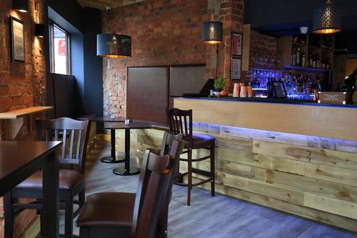 4. Liv Bar