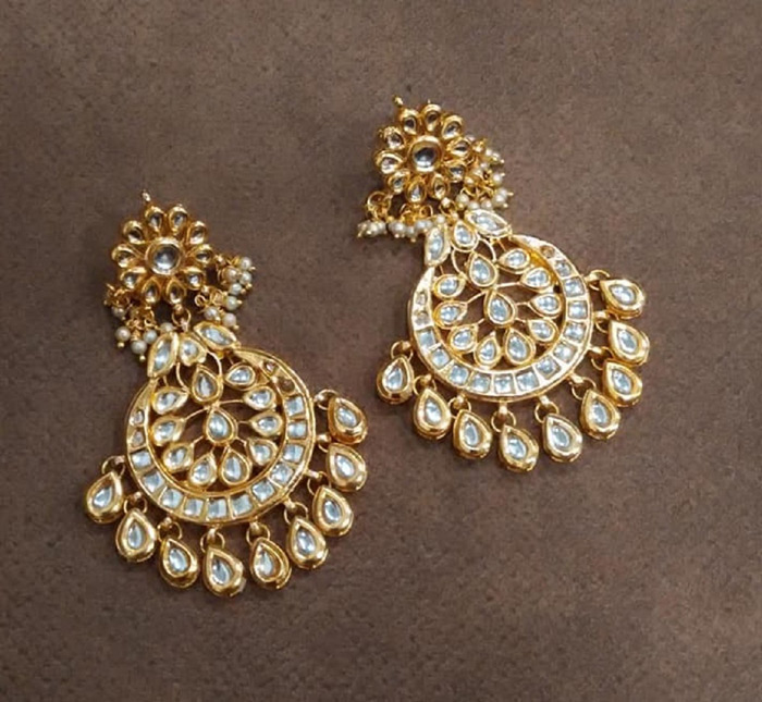 4. Look elegant and graceful in Chand Balis.