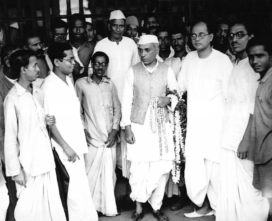 Jawaharlal Nehru and Subhas Chandra Bose with Indian independantists, India, April 7, 1930