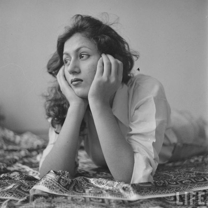 5. A rare photoshoot of Madhubala by LIFE magazine.