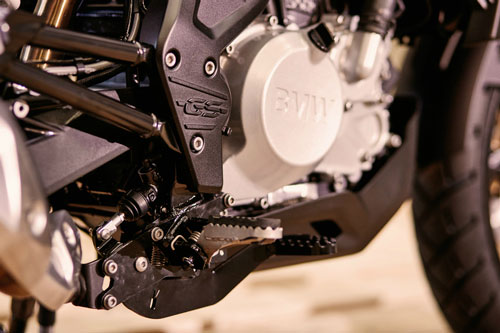 Both the BMW G 310 R and BMW G 310 GS are powered by 313cc, liquid-cooled, a single-cylinder unit with four valves and a DOHC cylinder head as seen on the TVS Apache RR 310.
