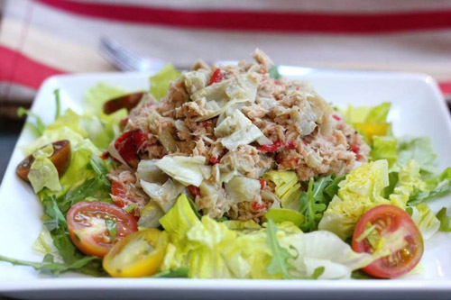5. Having tuna salad before hitting the gym aides in burning fat and converting it into energy as it is rich in carbohydrates.