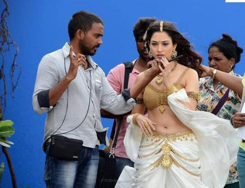 Tamannah looks just as pretty, even behind the scenes!