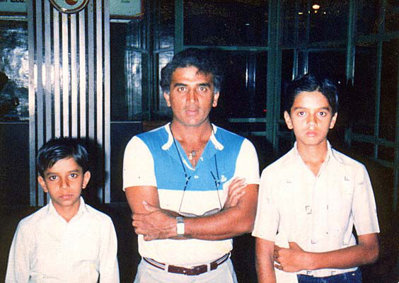 Young Rahul Dravid with Gavaskar