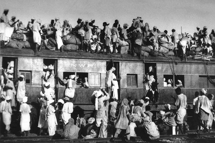 Thousands boarded the 'North West Railways' express trains to travel towards Pakistan. While travelling, many of them were attacked at stations such as Attari, near Punjab, located by the border region between the two nations and butchered to death.