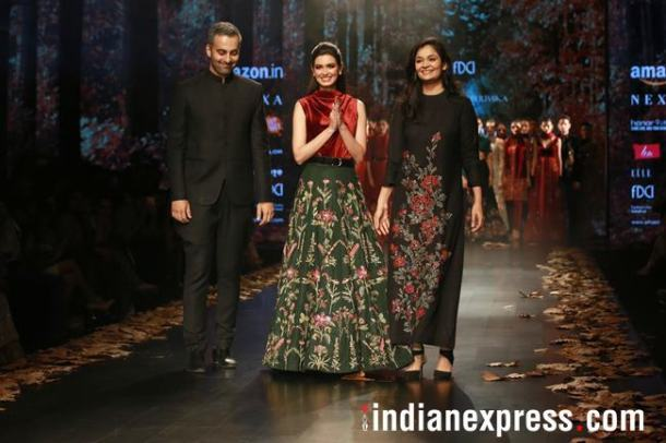 Also on Day 1, was a collected presented by designers Shyamal and Bhumika. With no jewellery on and hair pinned back, actor Diana Penty walked with confidence in a velvet cowl neck blouse, belt and matka silk skirt that accentuated her waistline for the duo.
