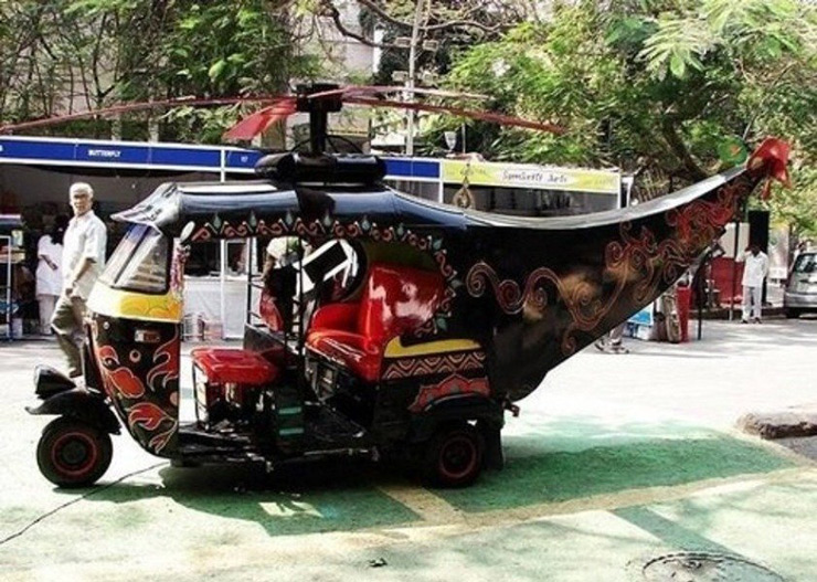 This auto rickshaw that can take off any minute now.