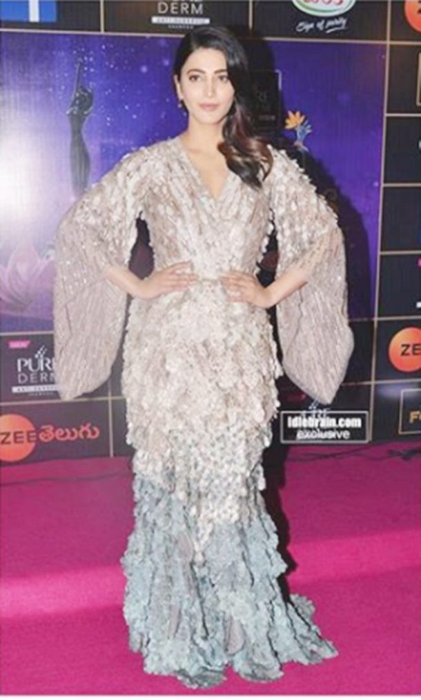 HIT: While attending an awards show, Shruti Haasan grabbed eyeballs in a Pallavi Mohan gown.