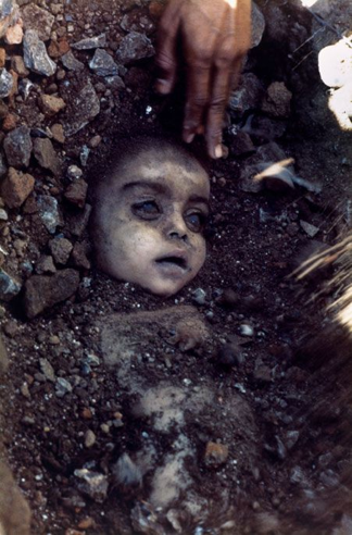 3. Bhopal Gas Tragedy 1984 (Pablo Bartholomew)
