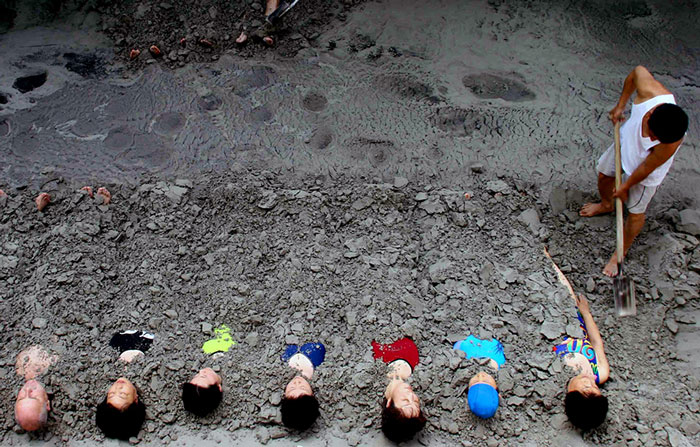 Consumers enjoy mud therapy at a nursing home in Anshan, China