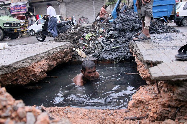 8. The sewage lines in Delhi lack maintenance and hygiene.