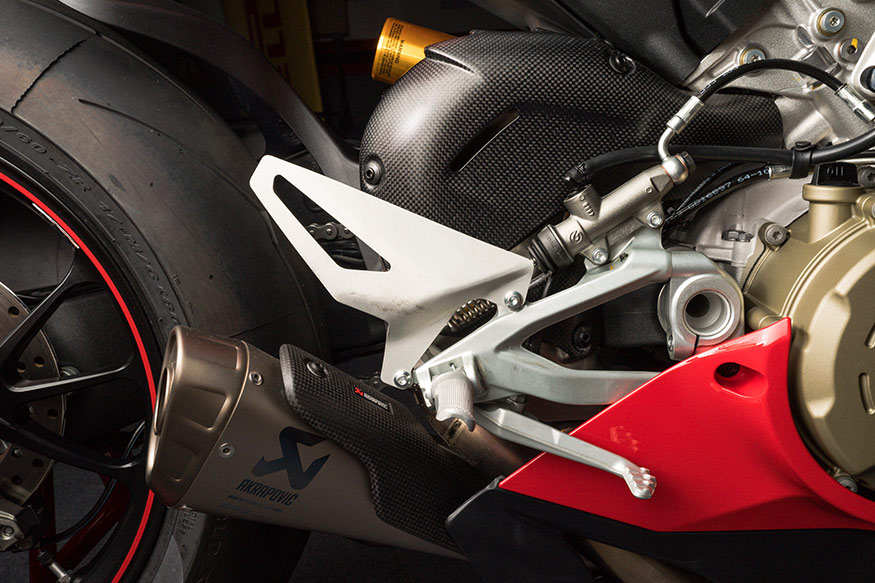 With an Akrapovic exhaust, the Ducati Panigale V4 makes up to 226 hp. (