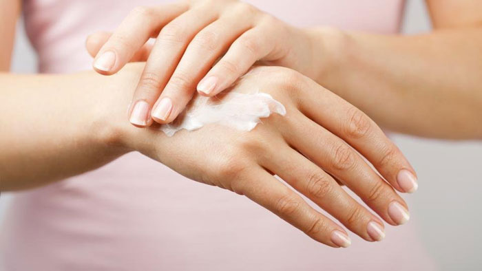 11. Gently massage a cream or lotion rich in vitamin K to avert clotting of blood.