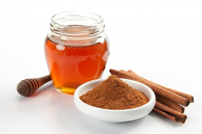 10. A combination of honey and cinnamon powder can unclog pores and give you smooth, soft skin.