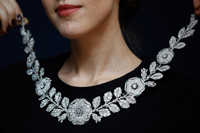 Belle Epoque diamond and emerald necklace - The necklace is estimated to fetch between 1.3 million and 1.5 million US dollars.