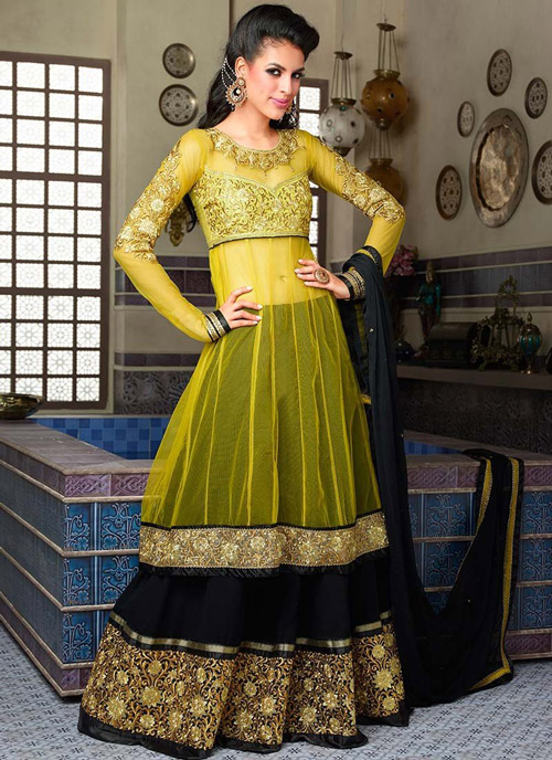 9. Attach a shear layer to your blouse to make it look like a lehenga anarkali.